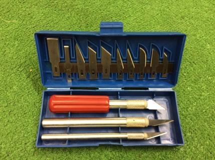 set of craft knives